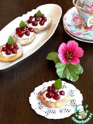 Рецепт Песочные пирожные с вишней