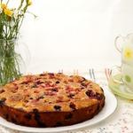 Летний пирог с карамельной корочкой