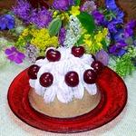 Творожно-сметанный десерт с черешней и сливками