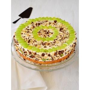 Торт изумрудный с творожным кремом, виноградом и орехами