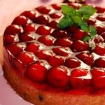 Летний пирог с черешней и желе
