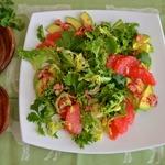 Салат с грейпфрутом и авокадо