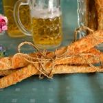 Хрустящие сырные палочки к вину и пиву