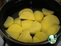 Теплый салатик с картофелем и беконом <i></div><b>ингредиенты:</b></i>