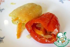 Квашеный перец, фаршированный овощами