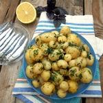 Молодой картофель с лимонно-зеленым маслом