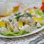 Салат с куриными кнелями