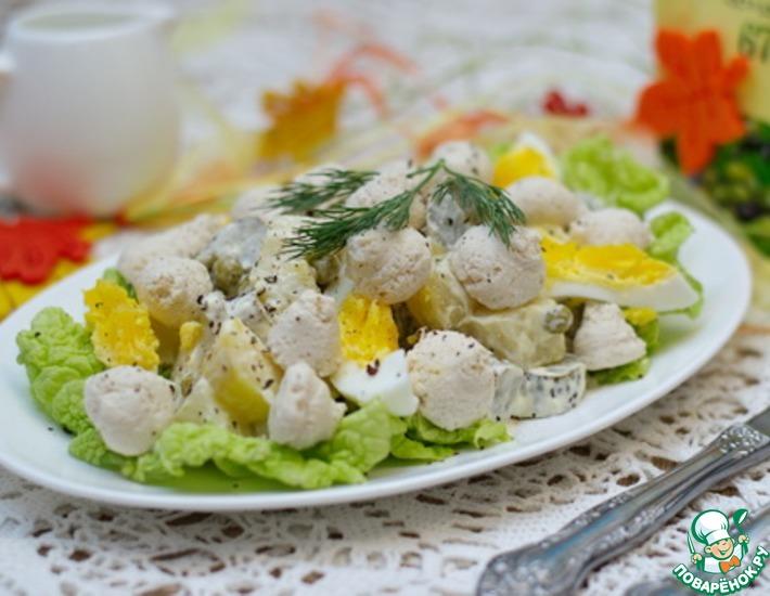 Рецепт: Салат с куриными кнелями