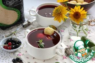 Рецепт: Смородиновый суп с творожными клецками
