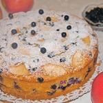 Яблочно-миндальный пирог с черникой