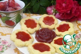 Рецепт: Песочное печенье с ягодным желе