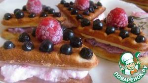Рецепт Вафли с творожно-ягодным кремом