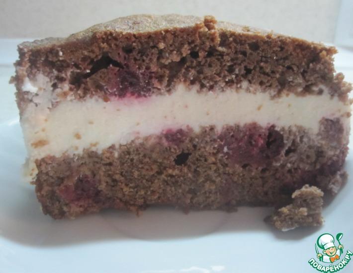 Рецепт: Шоколадный кекс с вишней и творожным кремом
