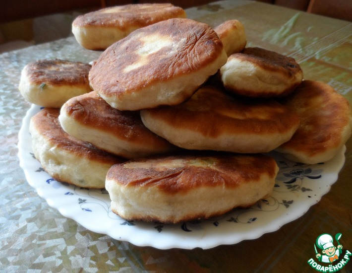 Рецепт: Жареные пирожки на кефире с яйцом