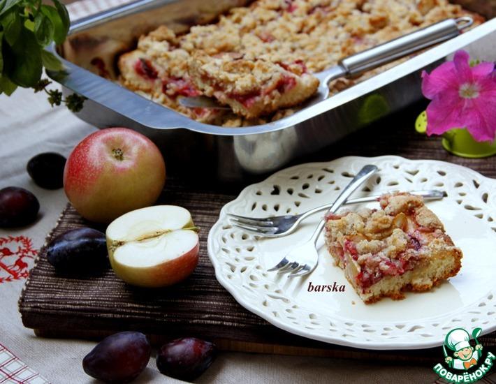 Рецепт: Датчи со сливой и яблоком