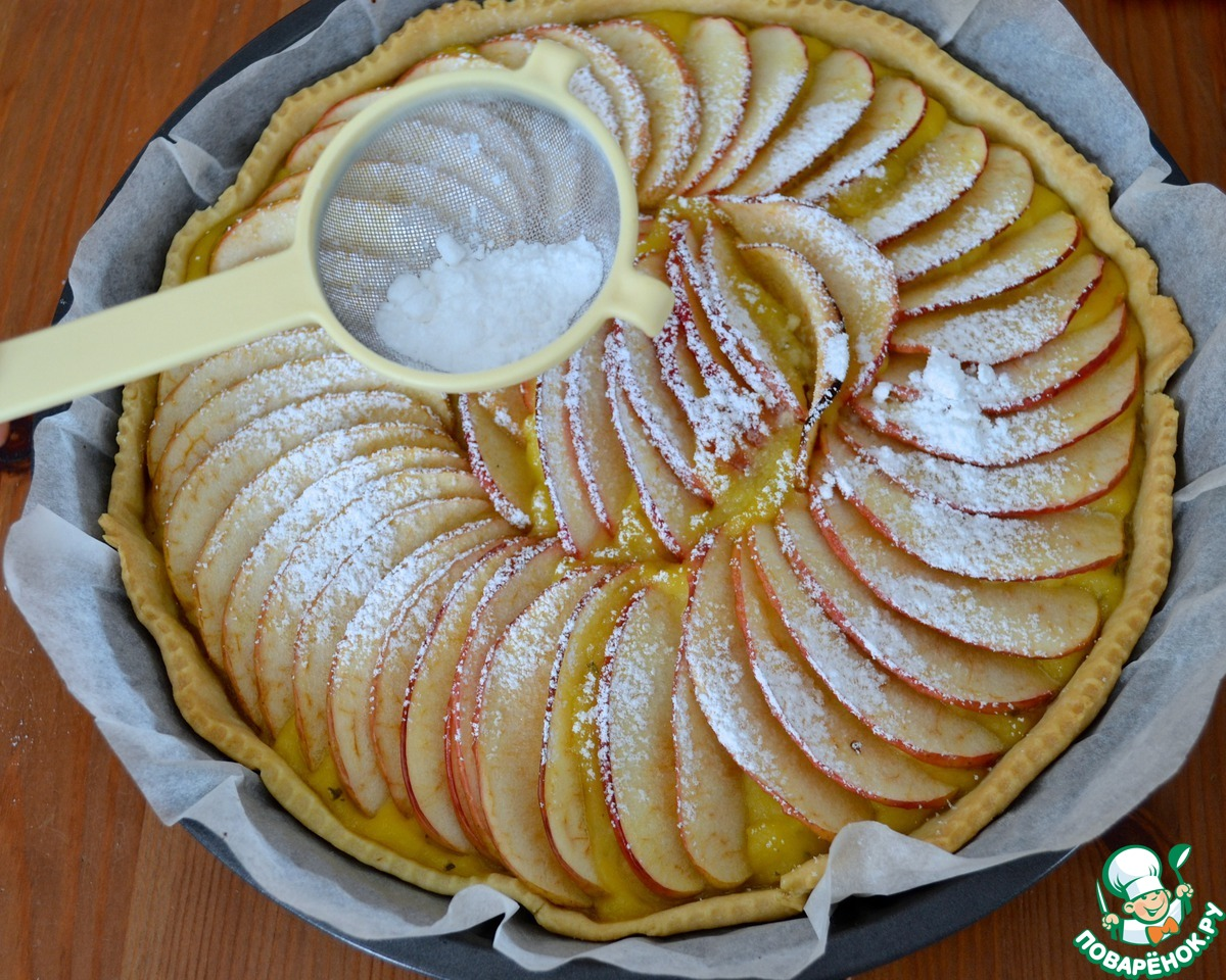 Французский яблочный пирог с розмарином