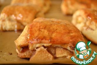 Рецепт: Яблочные бисквиты с соусом