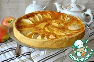 Рецепт: Яблочный пирог с карамельным кремом