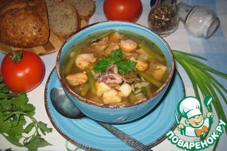 Рецепт: Томатный суп с рисом, фасолью и морепродуктами