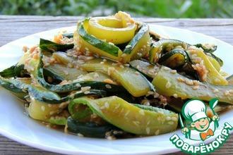 Рецепт: Салат из жареных огурцов по-корейски