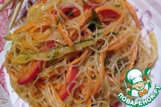 Рецепт: Салат из фунчозы с овощами