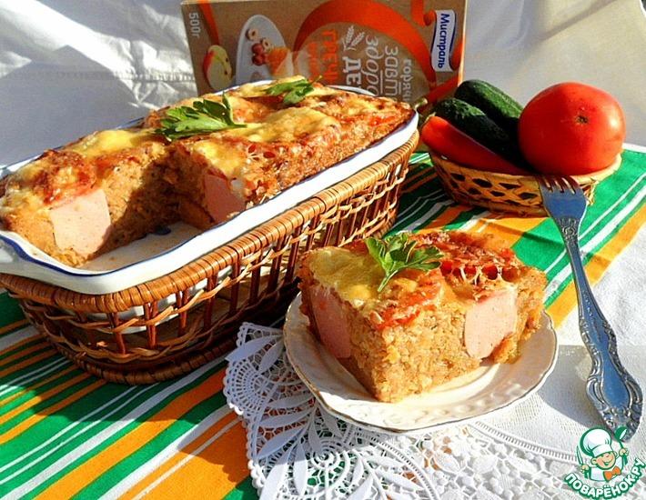 Рецепт: Гречневая запеканка с сардельками под томатной корочкой