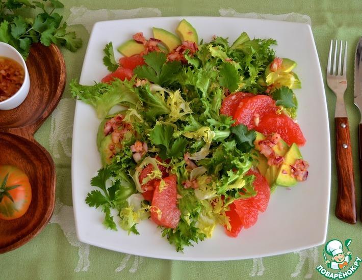 Рецепт: Салат с грейпфрутом и авокадо