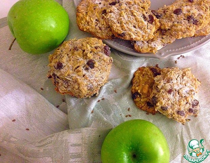 Рецепт: Овсяное печенье с яблоком, изюмом и орехами