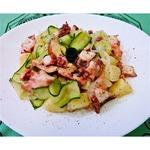Осьминог с картофелем Почти салат