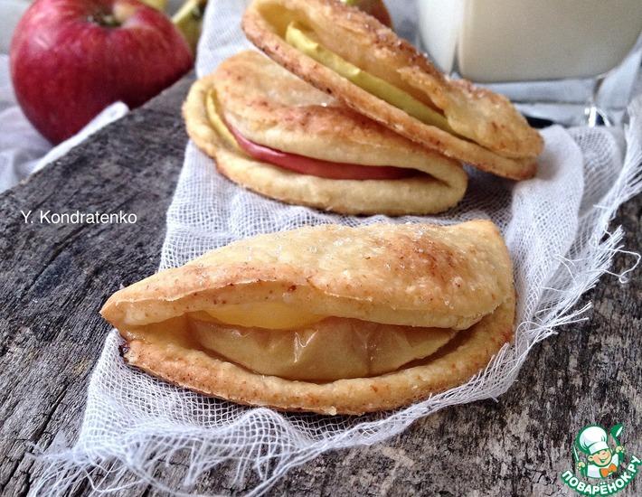 Рецепт: Творожно-песочное печенье с яблоками