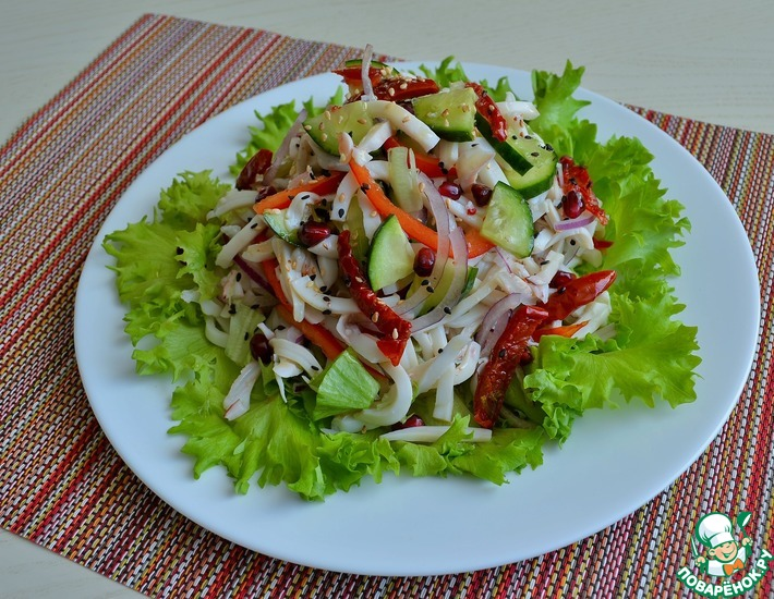Рецепт: Кальмары со свежими овощами