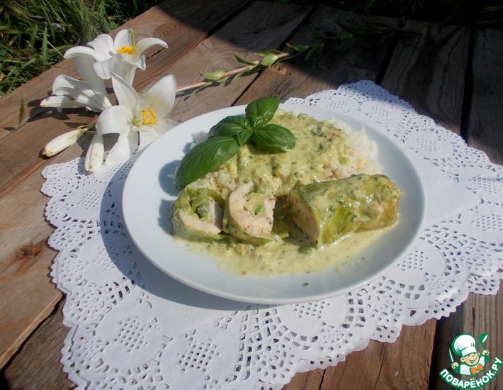 Рецепт: Зеленые голубцы под сливочным соусом