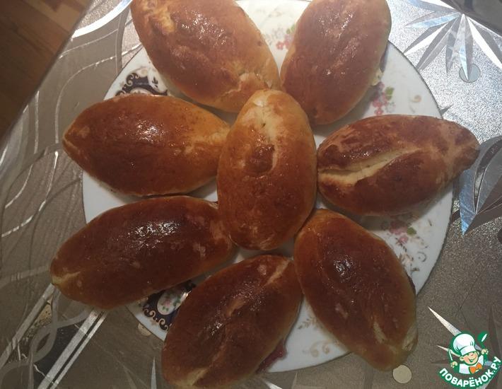 Рецепт: Классические пирожки с вишней