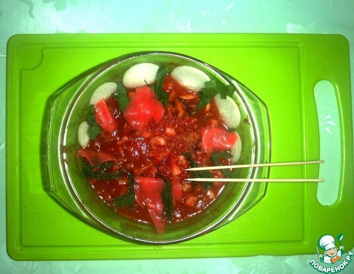 Рецепт: Горячий салат из морского коктейля в микроволновке
