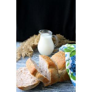 Хлеб на мацони с орехами