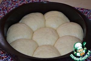 Выпекать булочки в разогретой заранее до 180* духовке 25-30 минут. (стоит учитывать особенности своей духовки)