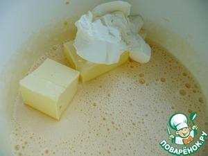 Добавить масло и сливочный сыр, взбить (без фанатизма).