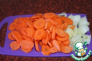 Репчатый лук и морковь.