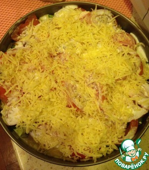 Cream poured into a bowl, add the spices and garlic, mix everything and pour the meat and sprinkle cheese on top. Put into the oven for 20-25 minutes. Bon appetit!