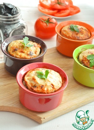 Delicious delicate soufflé to your lunch or dinner ready. On the side is perfect vegetable salad.