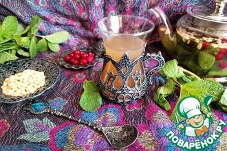 Рецепт: Зелёный чай с мятой и кедровыми орешками