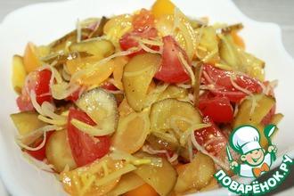 Рецепт: Салат из помидоров с солеными огурцами